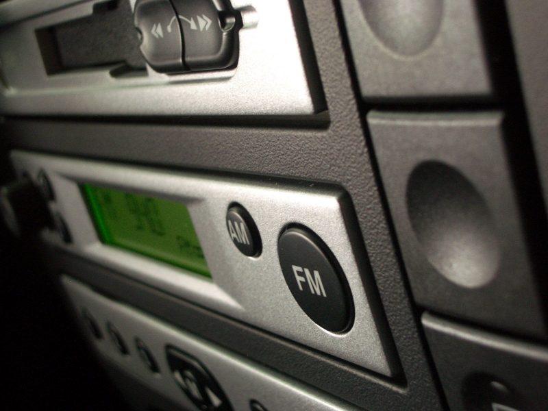 Vad du bör tänka på när du köper en FM-sändare till bilen.